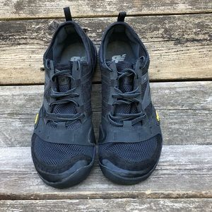 NEW BALANCE Mens Black Trail Running Athletic Shoe